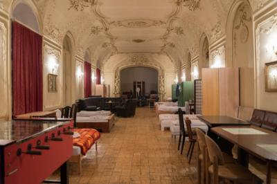 Albergues - Hostel Baroque Hall
